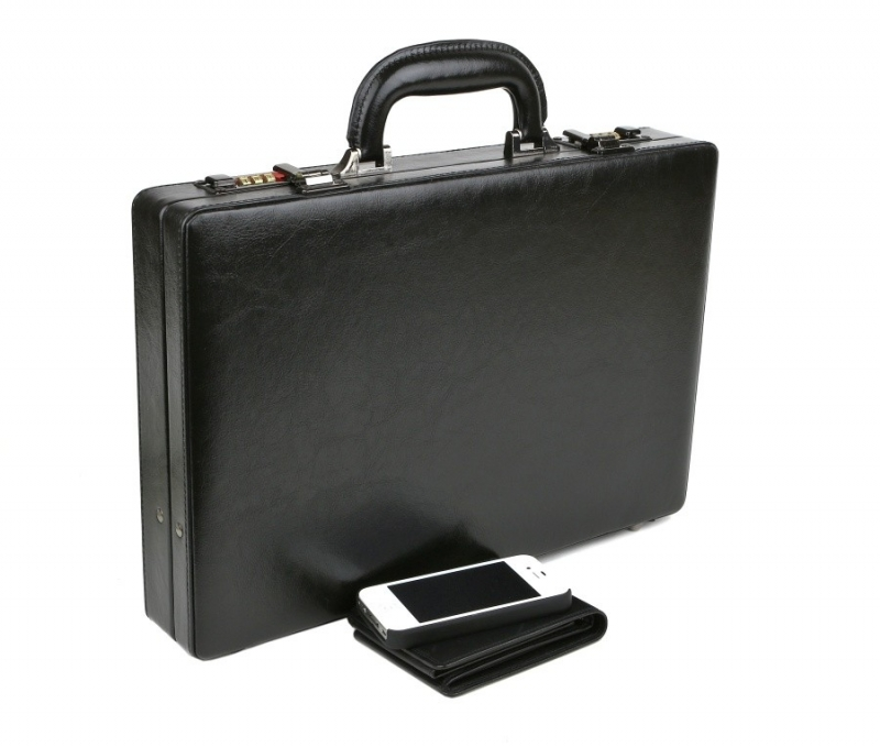 16bb0d9bcddd5 Diplomatický dámsky kufrík 47.90 € | www.all4men.sk | All4Men.sk