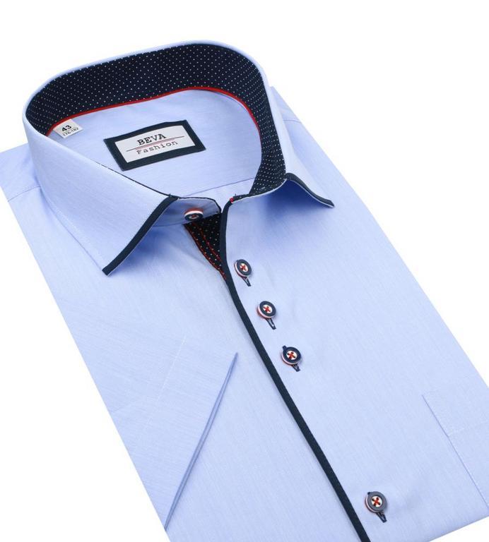 3703f82ae37a Elegantná biela košeľa s modrým kontrastom BEVA SLIM krátky rukáv ...