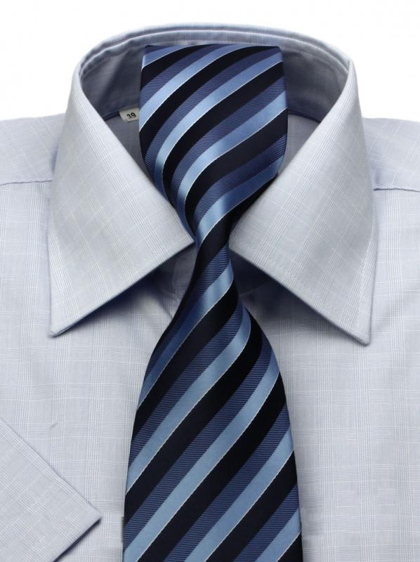 93b4fe3cc713 Modrá košeľa krátky rukáv KLEMON KLASIK - All4Men.sk